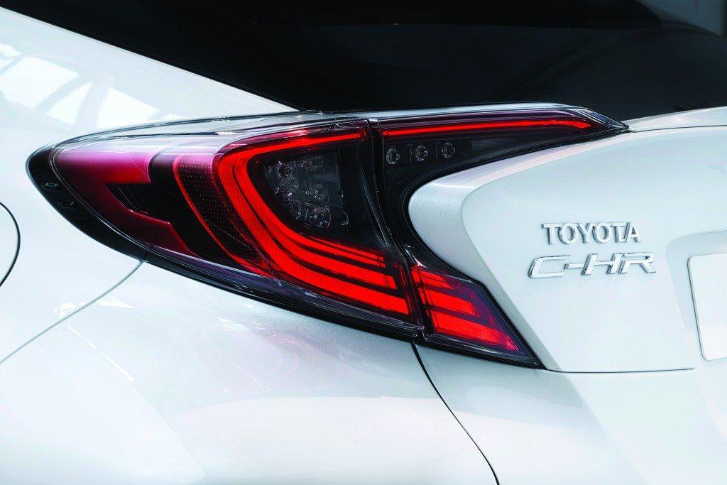 2016_Toyota_C-HR_DET_02