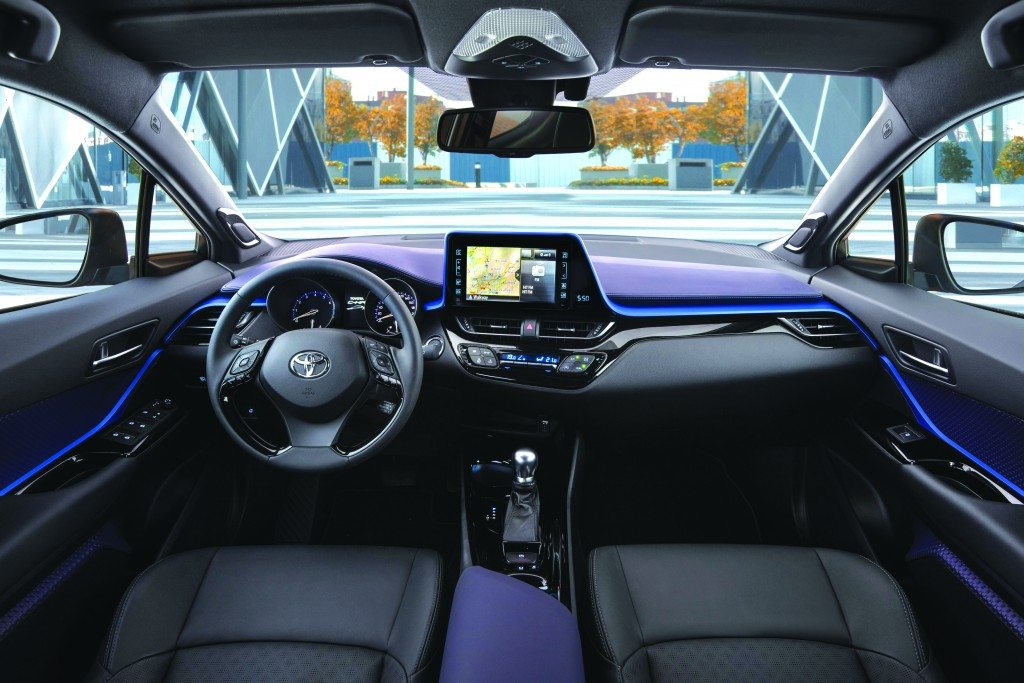 2016_Toyota_CHR_12T_IntDetail_01