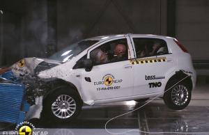 Euro NCAP'ten 0 yıldız Fiat Punto
